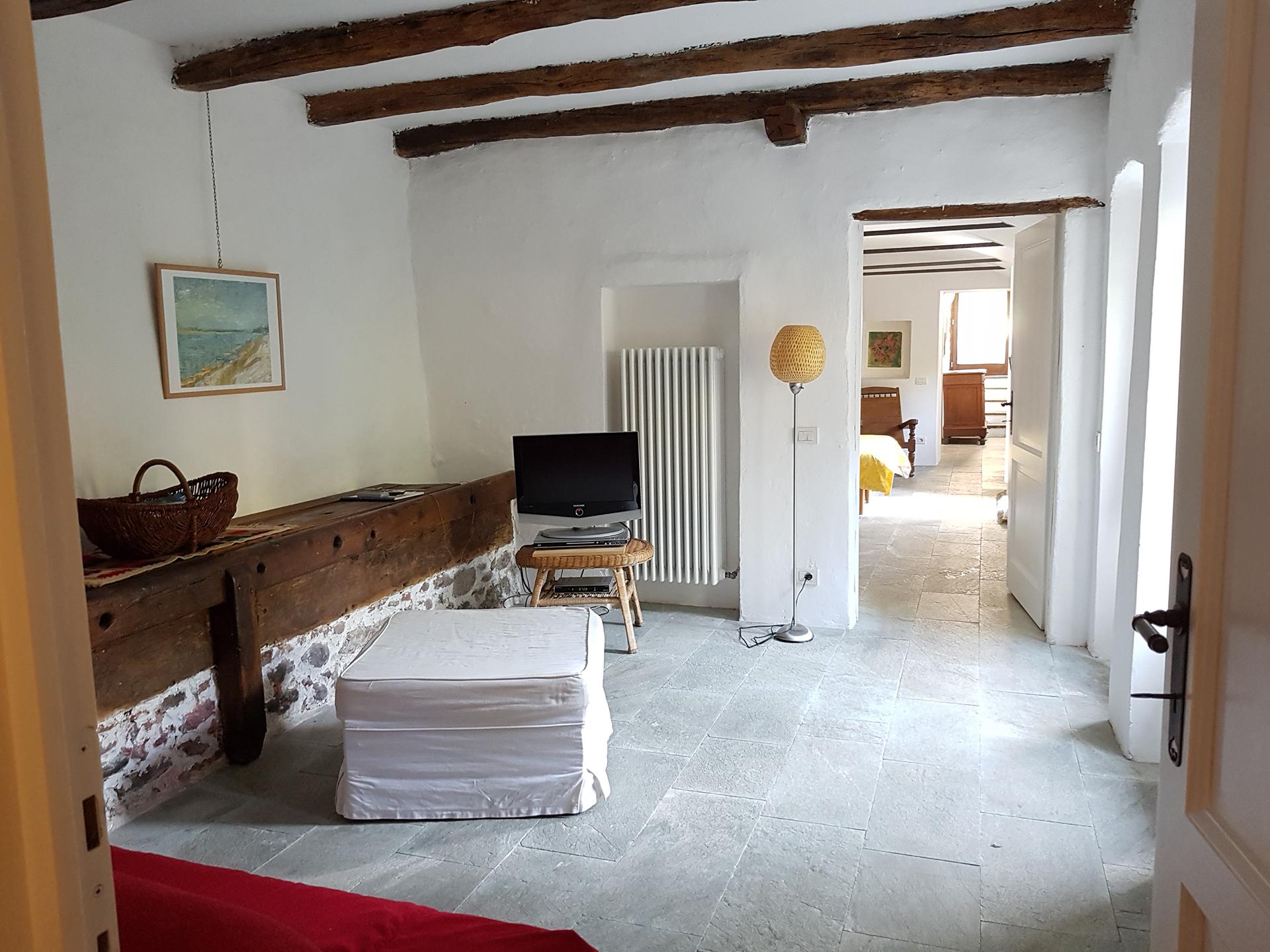 Appartamento piano terra la casaccia for Piano terra di 380 piedi quadrati